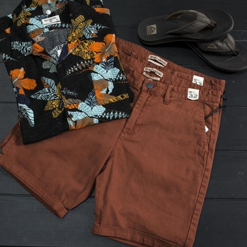 Make the most of the sun with the summer styles at @_destinationsurf ☀️😎 . . . #summer #style #fashion #destinationsurf #surfwear #surfing #surfculture #lakelandsshoppingcentre #lakelands #byISPT