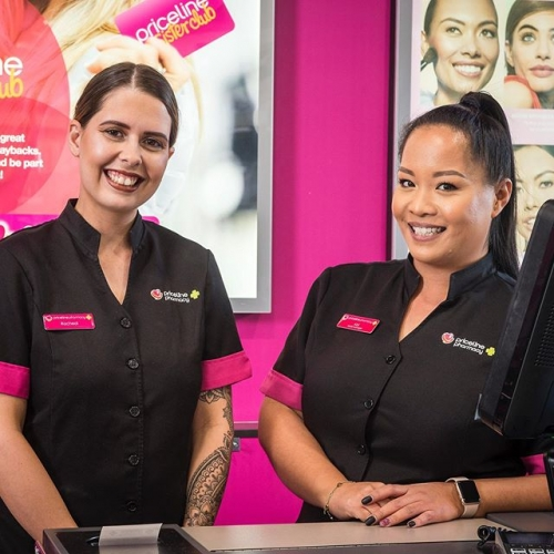 If you enjoy long romantic walks to the makeup aisle at @pricelineau, you're in for a treat! Swing by to check out their beauty services for your next social function. . . . #priceline #pricelinebeauty #beautyservices #makeup #lakelands #lakelandsshoppingcentre #byISPT