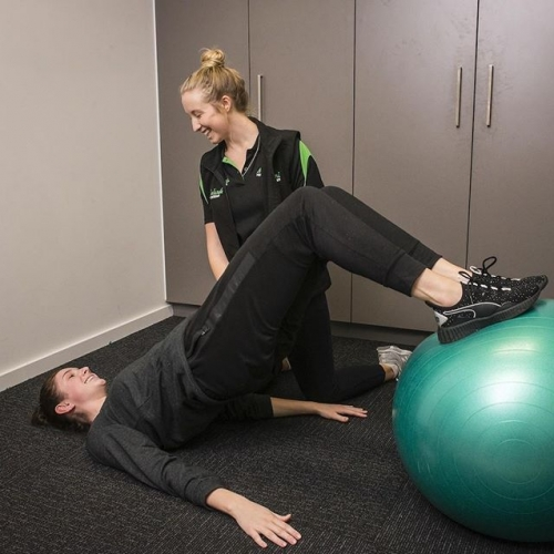 """""""Great staff. Very professional. Always on time."""" See the superstar team at Lakelands Physio for quality service! . . . #lakelandsphysio #lakelands #lakelandsshoppingcentre #byISPT"""